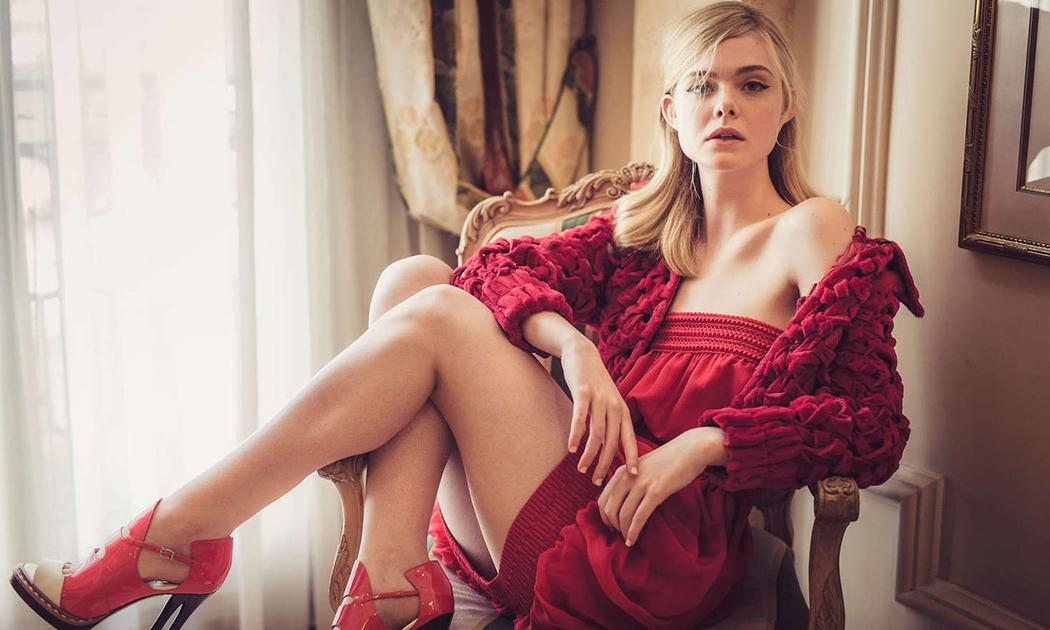 Elle Fanning & Hollywood yang Jatuh Cinta Padanya