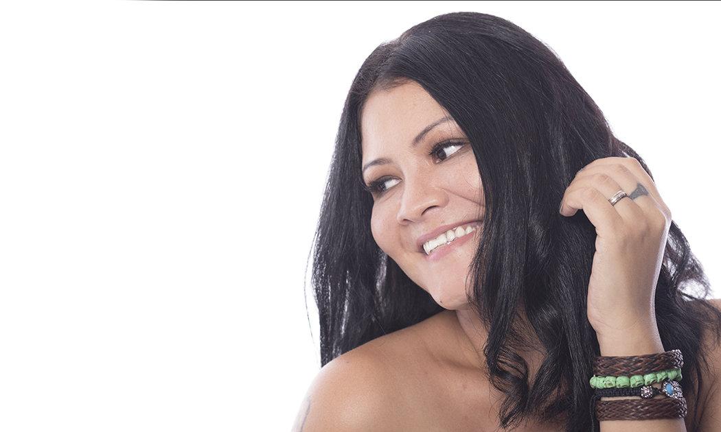 Melanie Subono, Bertekuk Lutut demi Wiji Thukul