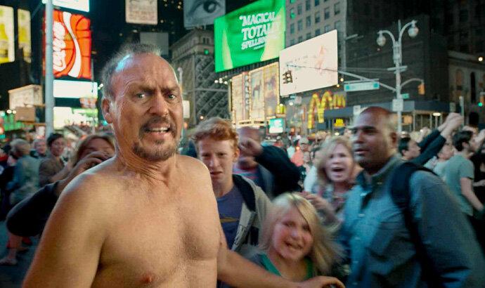 Michael Keaton di adegan tengah malam Birdman